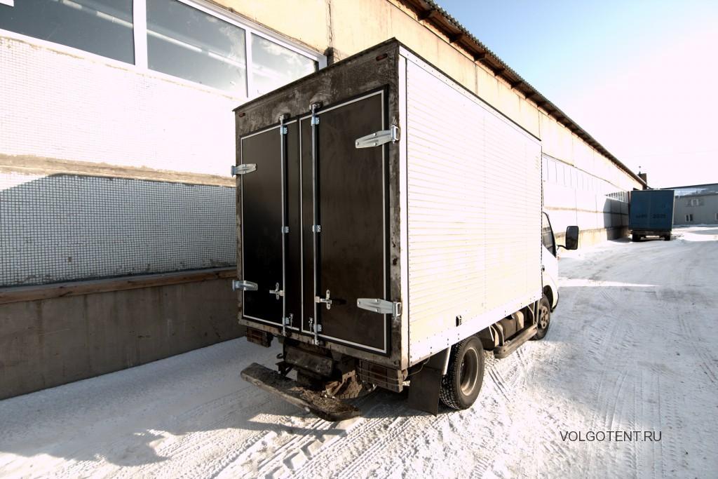 Задние распашные ворота на грузовой автомобиль Hino Dutro