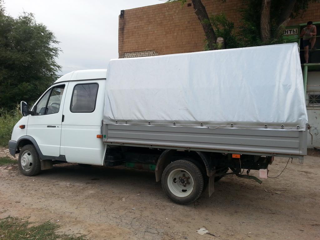 Серебристый тент на ГАЗ-33023